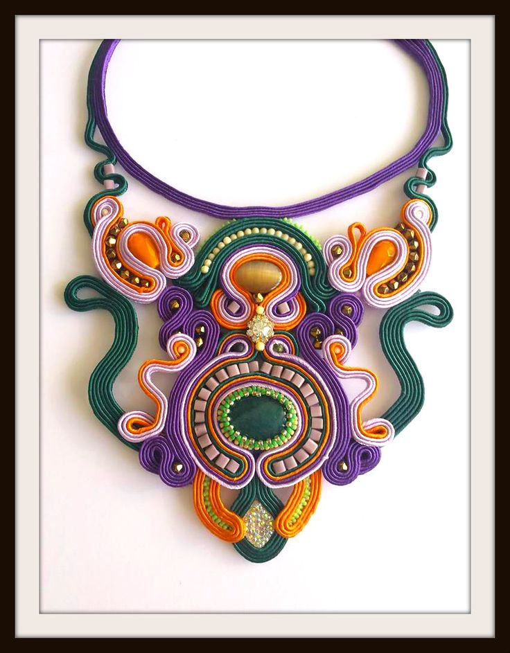 Unique soutache necklace with a pair of earrings. I made the soutache embroidery technique with semi-precious stones, soutache cord, mountain jade,Swarovski crystals and Toho beads!