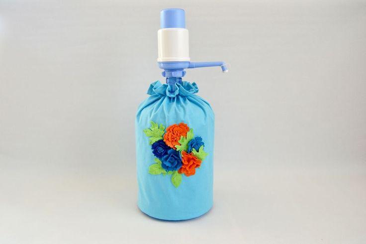 Mavi Kumaş Üzerine Renkli Çiçekli Damacana Kılıfı by nurcano Zet.com'da 18 TL
