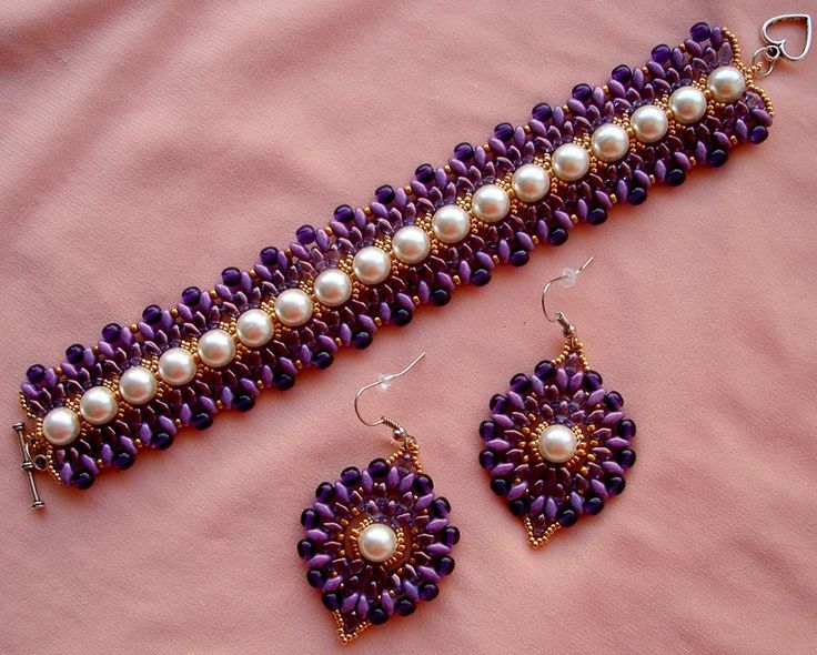 Free pattern for beaded bracelet Delight      U need: seed beads 11/0  pearl beads 8 mm  round beads 3mm  twin or super duo see