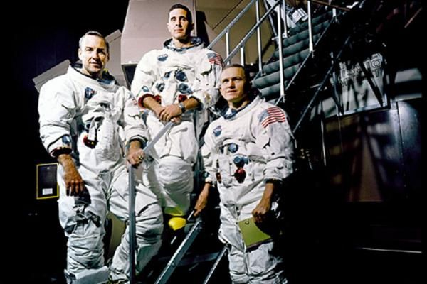 By United Press International On Dec. 27, 1968, the Apollo 8 astronauts -- Frank Borman, Jim Lovell, William Anders -- returned to Earth…