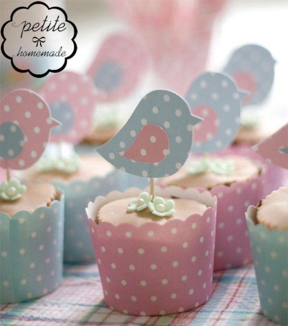 Cupcakes con temática de aves, para una fiesta infantil o baby shower.