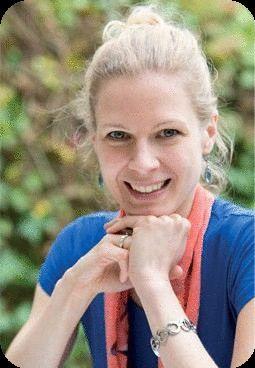 Jutta Koehler is gespecialiseerd in de Chinese vijf elementenvoeding, onderdeel van de traditionele Chinese geneeskunde. Hierover vertelt zij in interviews.