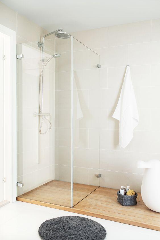 Jos neliöitä on vähän, valitse kääntyvä suihkuseinä.