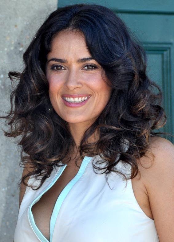 Salma Hayek es una actriz mexicana. Fue nominada a un Oscar por retratar a Frida Kahlo. Ella produjo la programa de televisión Ugly Betty.