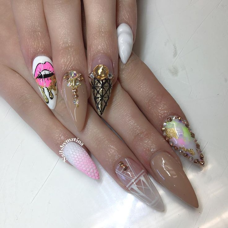 See this Instagram photo by @nailsbymztina • 6,589 likes