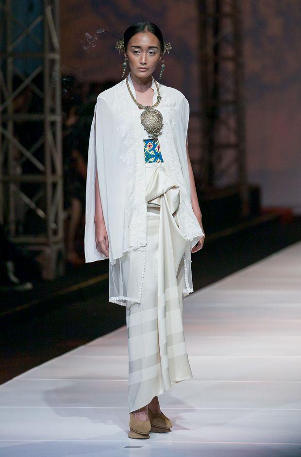 Bazaar Fashion Festival 2013 – Era Soekamto | The Actual Style
