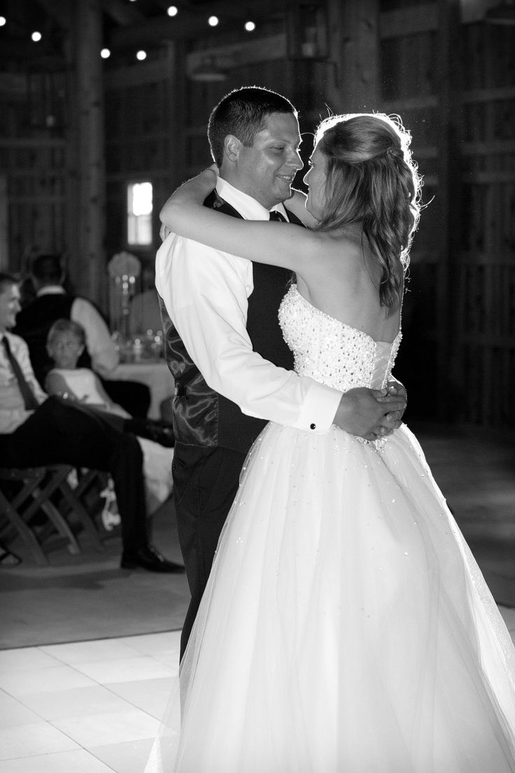 Savor the Moment Photography. The Barn at Kennedy Farm. Ashlee & Tylan.