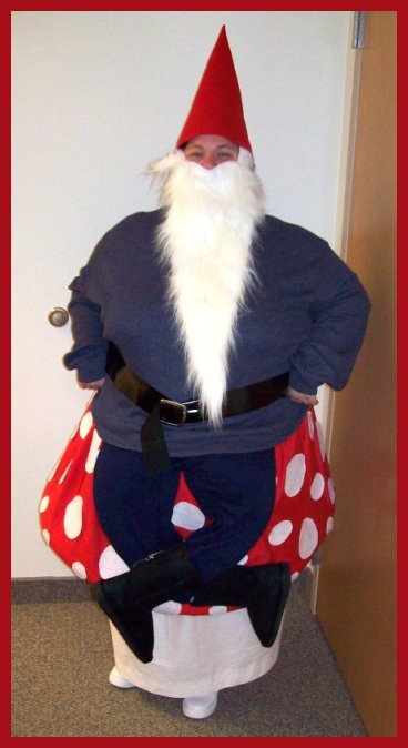 Gnome on a Toadstool CostumeCostumes Muse, Holiday Ideas, Crafts Ideas, Halloween Costumes, Costumes Check, Homemade Gnomes, Gnomes Costumes, Toadstool Costumes, Costumes Ideas