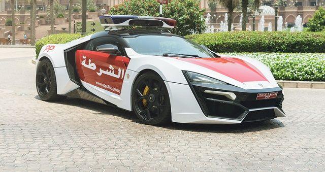 Confira quais são os 10 carros de polícia mais caros do mundo, que além de serem valiosos também são muito rápidos.