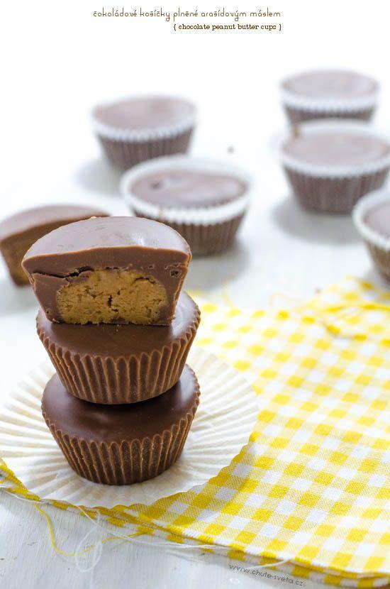 čokoládové košíčky plněné arašídovým máslem