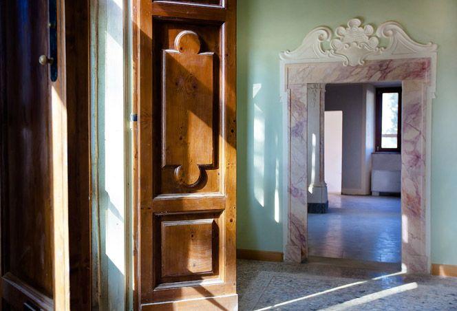 Villa Tolomei, Firenze - Florence (Italy).  www.italianways.com/villa-tolomei-white-bright-and-joyful/