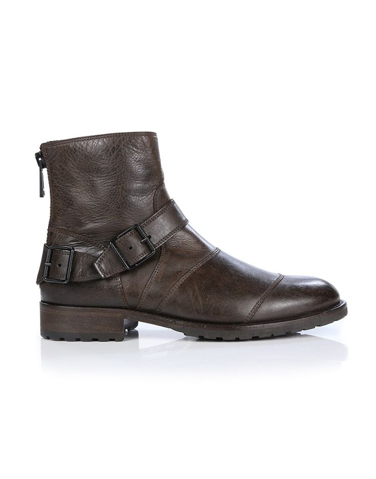 The Belstaff Trialmaster Short boots are elegant and classic, adapted from the iconic British military boots with a modern twist. Appropriate for riding, the Trialmaster boots are hand waxed and crafted from premium brown Cowhide leather with calf leather lining. Featuring practical zip fastenings at the back, these boots have buckle straps across the back of the heel and ankle and toe caps which add durability.