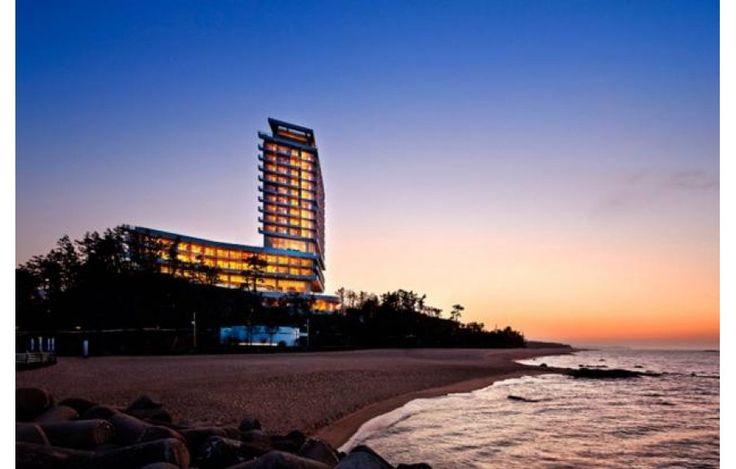 Hyundai Heavy Luncurkan Hotel Rendah Emisi Karbon   27/06/2015   Perusahaan asal Korea Selatan, Hyundai Heavy Industries, disebutkan telah membuka sebuah hotel baru di wilayah Gangneung, Provinsi Gangwon, Korea Selatan, sebagai landmark dari Olimpiade Musim Dingin 2018 ... http://propertidata.com/berita/hyundai-heavy-luncurkan-hotel-rendah-emisi-karbon/ #properti #hotel