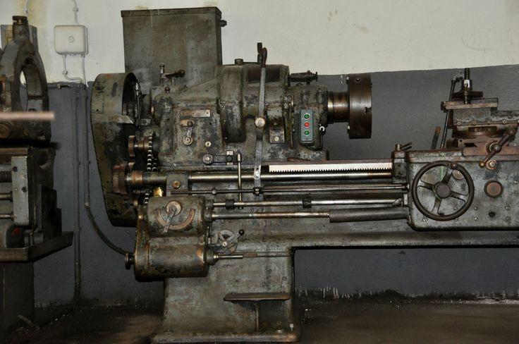 Leit-und Zugspindel Drehmaschine Drehbang gebraucht 3000 mm Spitzenweite  siehe Bilder