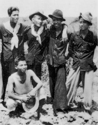Jeunes partisans Việt Minh.