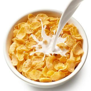 A Bowl of Cereal http://www.womenshealthmag.com/weight-loss/healthy-bedtime-snacks/a-bowl-of-cereal #healthybedtimesnacks