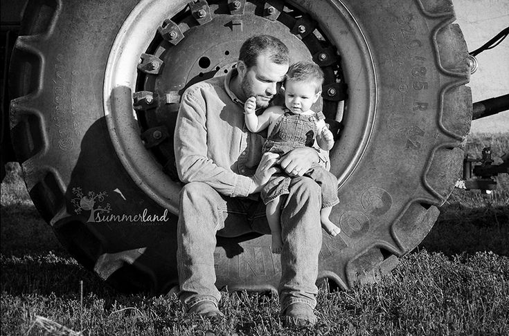 Daddy's Little Farmer: Moses Lake Family Photography