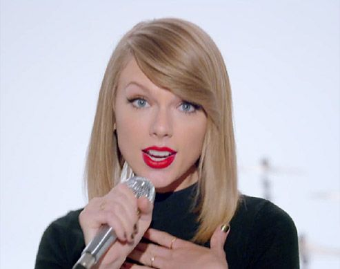 10 Makeup and Hair Tricks We Picked Up From Shaking It Off with Taylor Swift