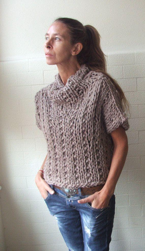 Sleeveless 'Get your Chunk on', bamboo mix chunky sweater in Mushroom