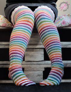 Ylipolvensukat naisen pitkät villasukat helppo ohje 7 veljestä 250 g Mini Skein Inspiration #MiniSkeinMonday