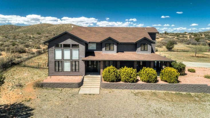 Equestrian Estate For Sale In Yavapai County Arizona Nestled In