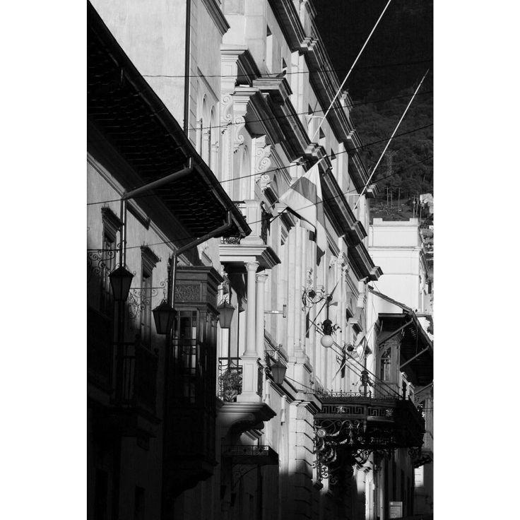 Caos / Teatro Colón #TeatroColón #LaCandelaria #garcasphotographer #BogotáCity #Caos #CulturaBogotá #IgersColombia # IgersBogotá