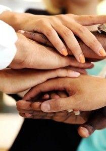 Tout individu appartenant à un pays, à une famille, à un sexe, reste fondamentalement un être unique, donc différent de n'importe lequel de ses congénères. Respecter la différence consiste, de fait, à commencer par se respecter soi-même.