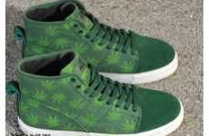 Ganja-Loving Kicks #Marijuana #Sneakers #Christmas
