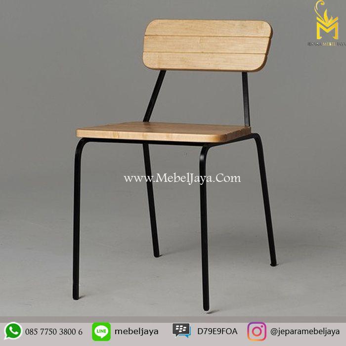 Kursi makan Desain Retro dengan rangka besi cocok sekali untuk kursi cafe dan resto anda, material kayu jati solid terbaik Jepara - meja kursi cafe