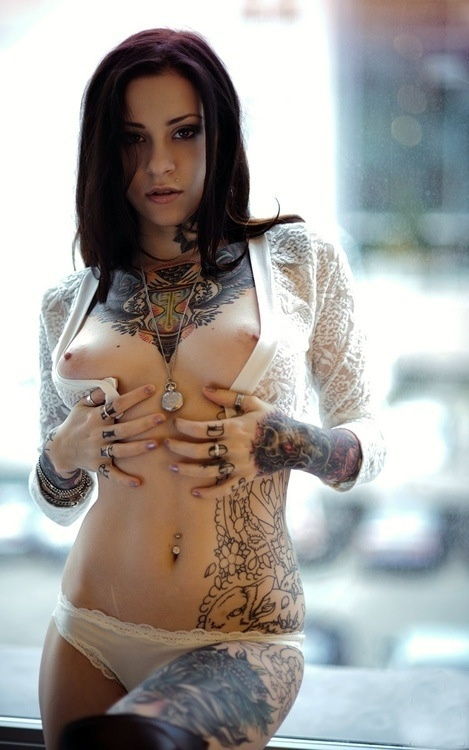 Hot Girls With Tattoos Naked