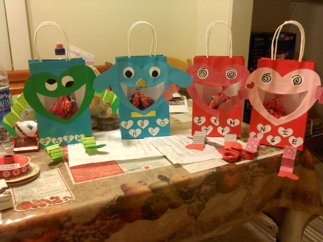 easy to make goodie bags for your kid to pass out during valentines day