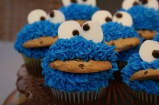 Cookie Monster Cupcakes!Cookie Monster, Kids Parties, Sesame Street, High Schools Graduation, Cookies Monsters Cupcakes, Cute Ideas, Monster Cupcakes, Graduation Cake, Food Art