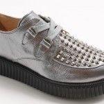 Nuova collezione di scarpe per bambine e ragazze con fondo alto.