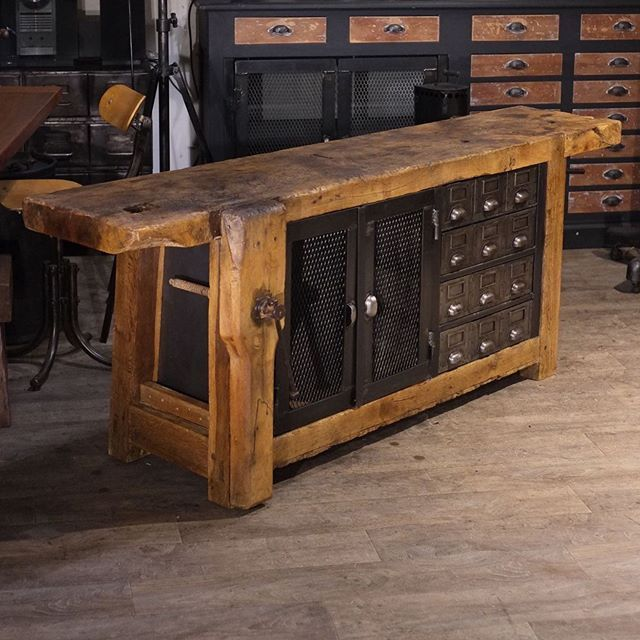 Untitled Meubles Industriels Mobilier De Salon Table Contemporaine