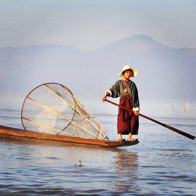 Inle lake, Myanmar #inlelake #myanmar #burma #amazing #travelphoto #travelphotography #topåtur #twodanesontour #danskerejseblogs #rejseblog #lonelyplanet #lonelyplanettraveller #travelawesome #travelportrait #traveldudes #secretplaces #globetrotter #globe_travel #bbctravel #natgeotravel #travelgram #instatravel @escapetoearth @theseldomseen #turengårtil