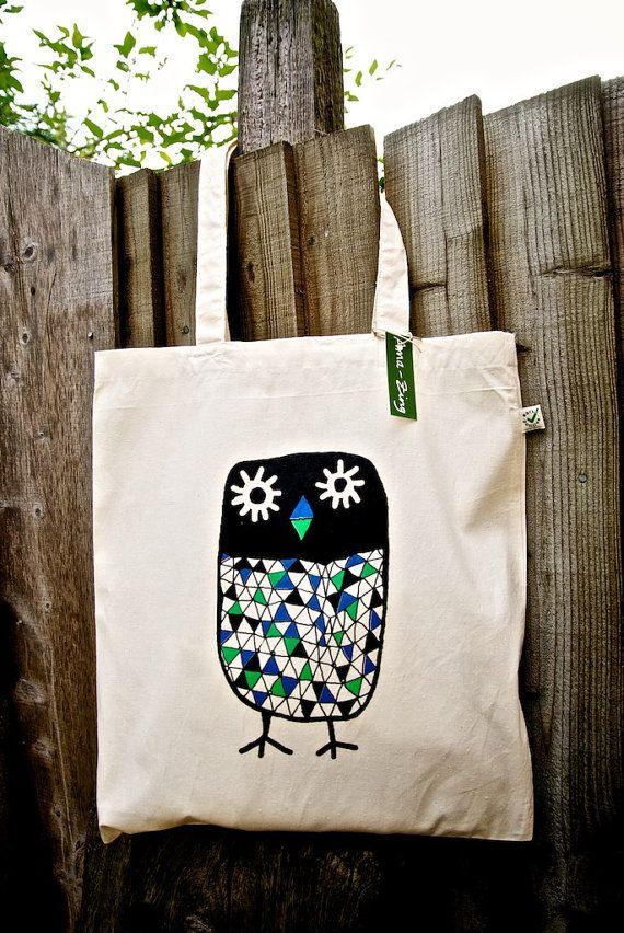 Owl canvas tote bag- organic- shopper bag. ££10,00 GBP, via Etsy.