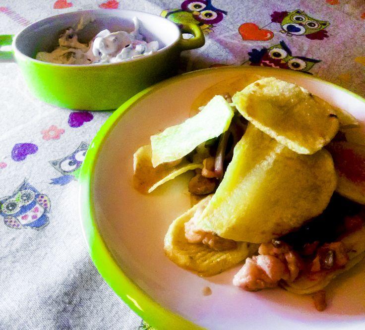 Ceno e posto: un modo inusuale per presentare un trancio di #salmone con #patate,un #millefoglie salata e gustosa con accompagnamento di #salsa allo #yogurt su #Kitchengirl.it #yogurtland #yogurtgreco #ricetta #olive #cipolladitropea #Cucina #cucinadautunno #chips #patatinefritte #secondoitaliano #italianfoodbloggers #ricetteperpassione #cucinaitaliana #tacchiepentole  http://www.kitchengirl.it/il-frigo-racconta/ceno-e-posto