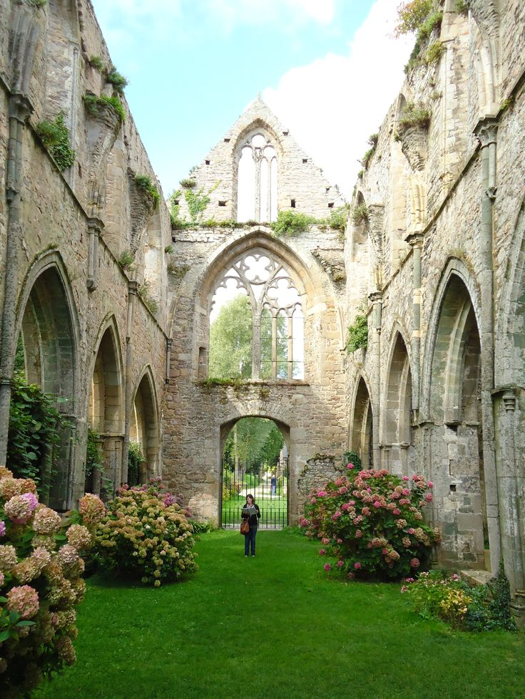 Abbaye de Beauport, Bretagne. I would love to get married there.