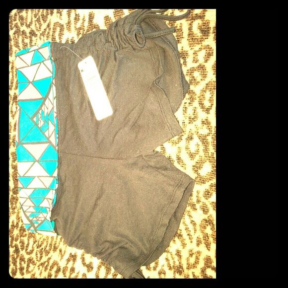 Bongo Skinny Shorts Type: New Clothing  Style: Skinny Shorts Size: Medium Color: Black And Multi- Color Waistband Wash: Machine Wash Condition: New with Tags Original Price: $10  * No offers accepted for NWT or Avon products. BONGO Shorts