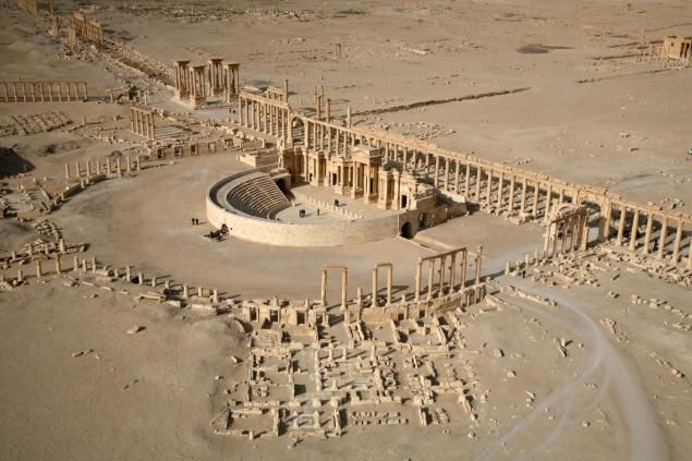 "A 2009 aerial view shows part of the ancient city of Palmyra. ISIS jihadists seized the city on Thursday, as UNESCO warned that the destruction of the ancient city would be ""an enormous loss to humanity."""