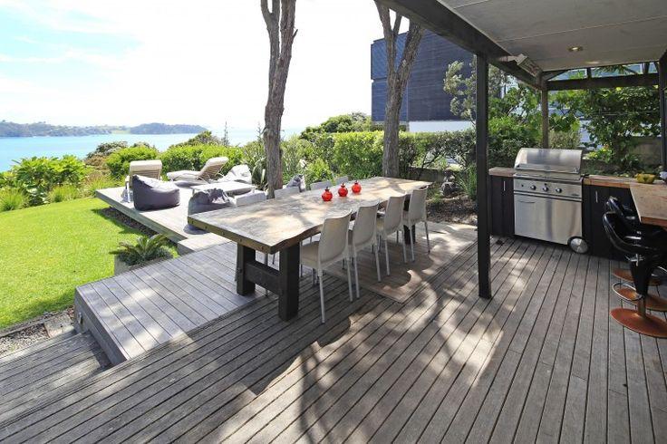 Waiheke Accommodation, Vida Views, Luxury Waiheke Holiday Houses, Beach house accommodation | Amazing Accom