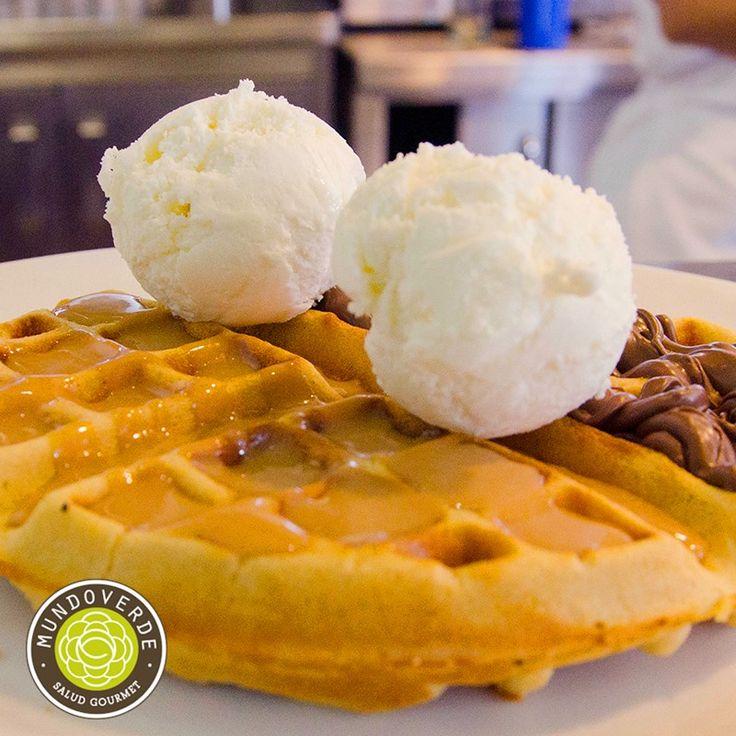 Endulza el primer viernes de febrero con nuestro delicioso #WaffleMundoVerde… elige el sabor que prefieras adicionar: Nutella, Arequipe, Miel de Mapple, Combinado (mitad nutella y mitad arequipe), Fresas flambeadas, Banano flambeado… ¡Nos encantan! #MundoVerde #RecomendadoMundoVerde