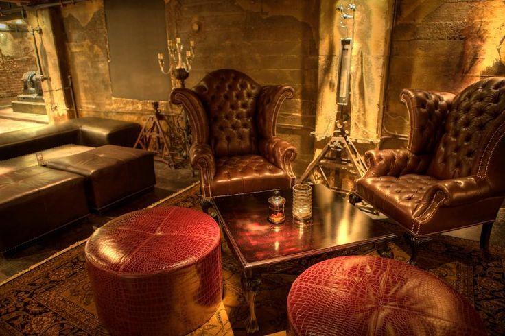 Edison Bar, LA - Chairs & Flowmeter