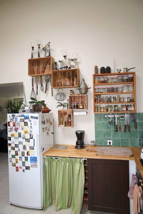 Id e am nagement cuisine tag re caisse bois vin id es for Amenagement etagere cuisine