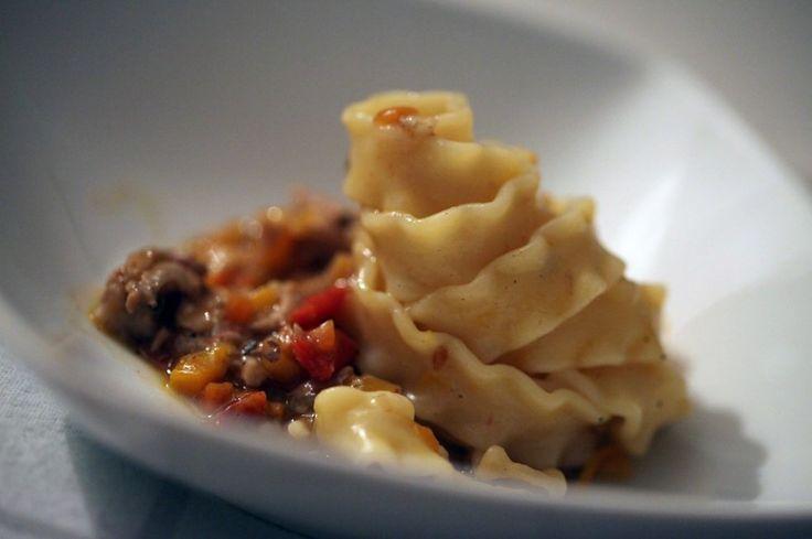 Mafaldine con ragù di coniglio e zucca ricetta