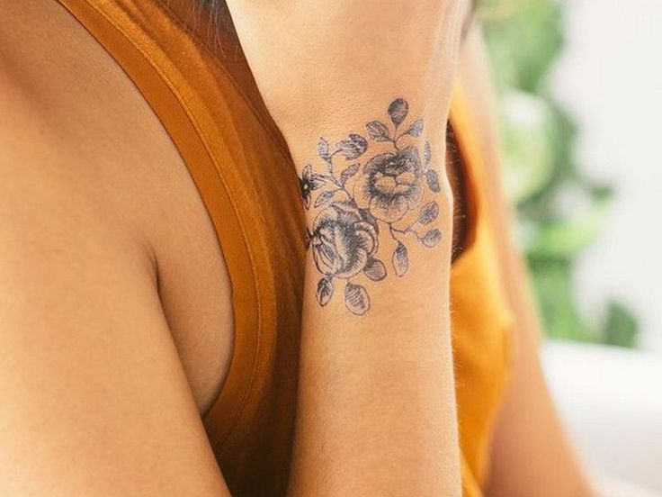 Lovely >> forty five Distinctive Small Wrist Tattoos for Ladies and Males - Easiest To Be Drawn