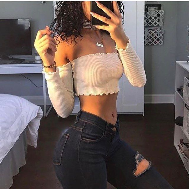 Bandeau Long Sleeve Off-shoulder Crop-Top�� Perfect top for this summer or night clubbing�� Shop @ www.fitgirlglam . com while in stock���� Thank you for shopping @fitgirlgl_ @fitgirlglam.com . . #fitgirlglam_ #repost #sports #fashion #pop #cultura #calle #relax #moderno #model #photography #mua #hair #stello #gowns #hasretmoda #nisanlik #nisanbasi #gelinbasi #tesetturabiye #tessettür #hijab #makeup #makyaj #gelinbası #tesettür #luxury #wedding #weddingdress #moda…