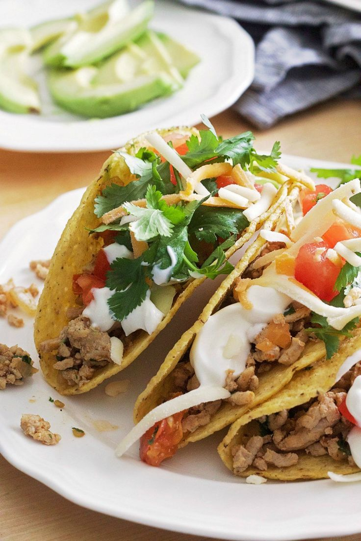 Turkey Taco Tuesdays, yes please! These flavourful turkey tacos are an excellent source of essential nutrients and the perfect weekday dinner. #tacos #turkey