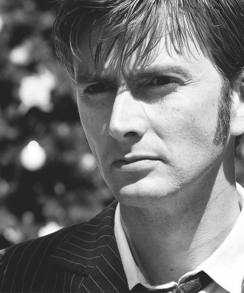 All my non-Whovian friends often wonder what I find so attractive about Davis Tennant. What I wonder is how they can't find him attractive? I mean come on he is a babe! I wonder if because of his role of the doctor that made him more intriguing to me? Is it his personality that made me fall in love with his looks?
