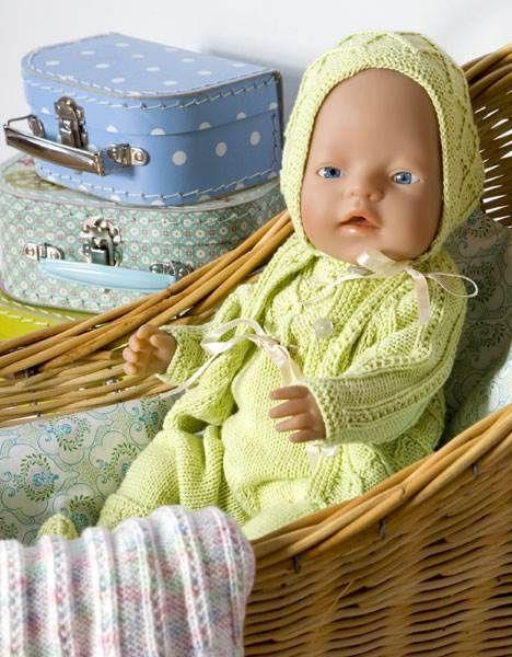 Strik et sødt grønt dukkesæt til Baby Born